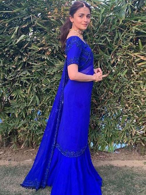 Alia Bhatt in Ocean Blue Colored Georgette Ruffle Lace Saree