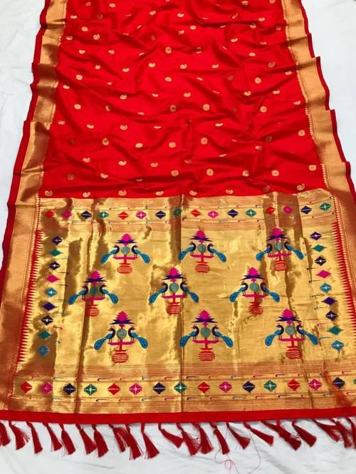 Appealing Red Kanchipuram woven saree