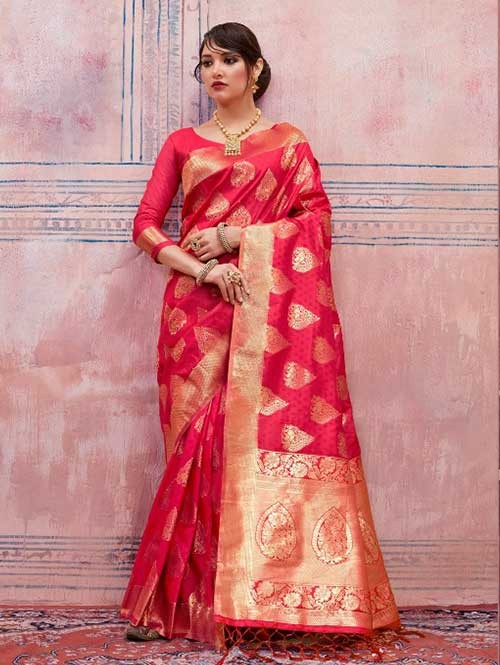 Beautiful Weaving Top Dyed Silk Sarees with Tassels And Enigmatic Blouse-Red