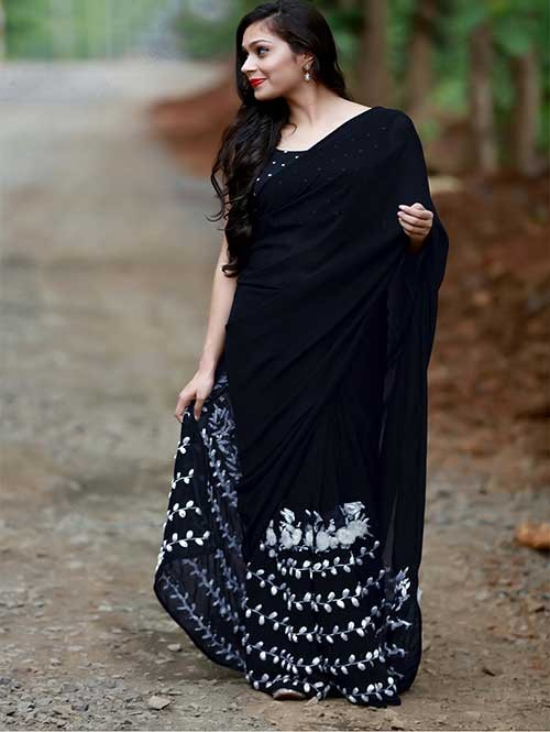 Black Colored Beautiful 60gm Georgette Saree