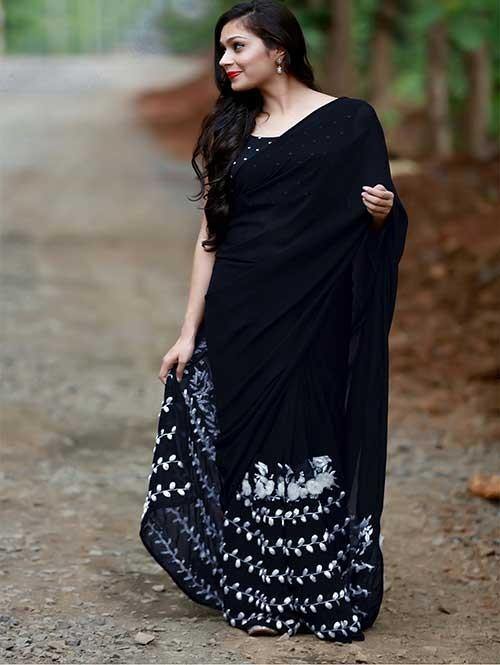 Black Colored Beautiful 60gm Georgette Saree