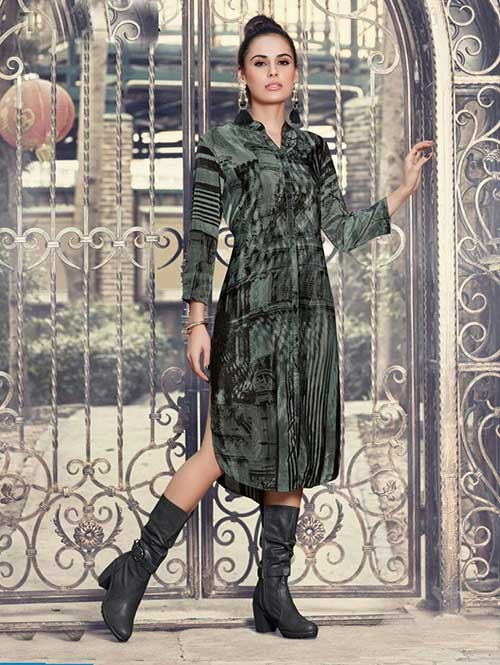 Black Colored Gorgeous Printed Crepe Kurti.