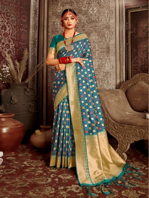 blue saree contrast blouse grabandpack