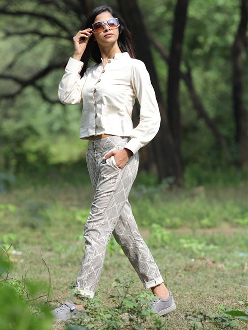 Cotton Set features Off White Colored Shirt and Chex pant.