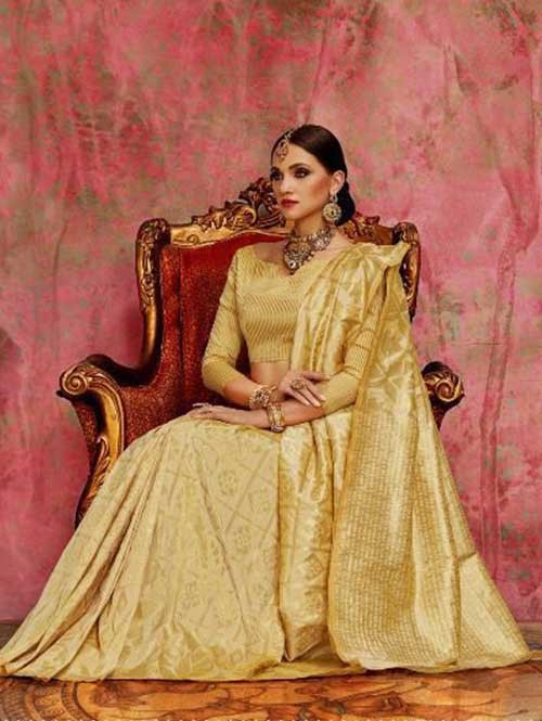 Cream Colored Beautiful Waving Silk Saree