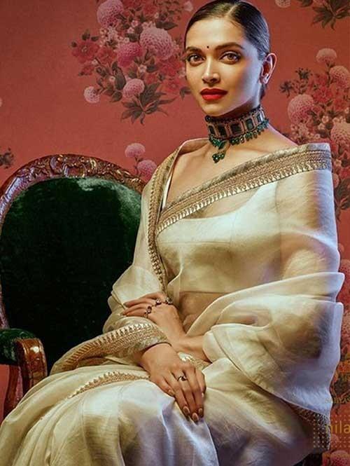 Deepika Padukone In Off White Chanderi Silk Printed Saree