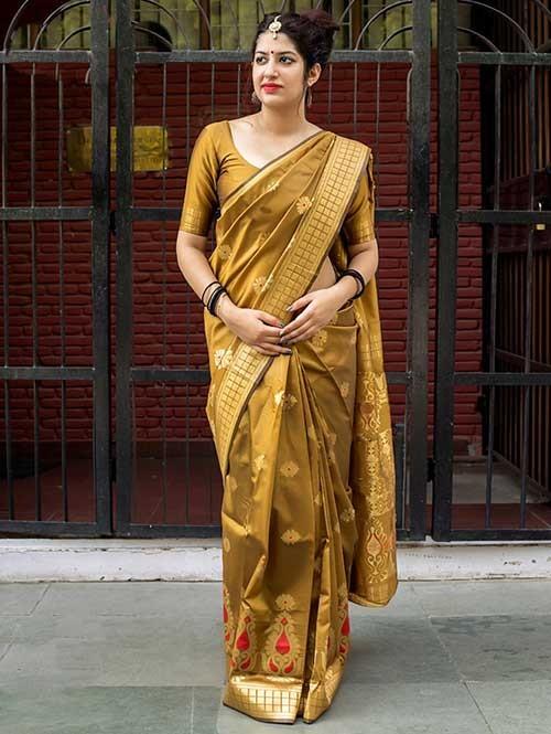 599a5e8eb929ac Gold Colored Beautiful Banarasi Silk Saree With Matching Blouse