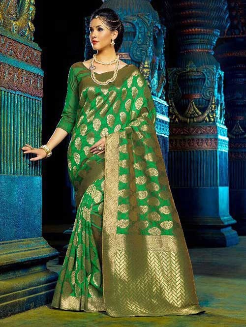 Green Color Beautiful Waving Silk Saree