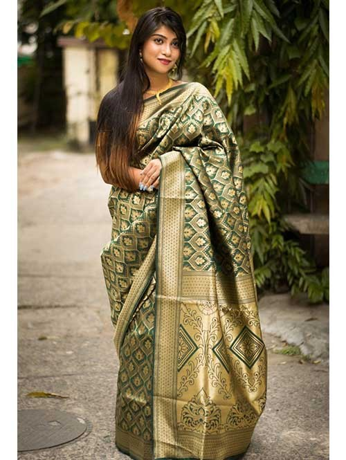 Green Colored Beautiful Soft Silk Traditional Zari Weaving Saree