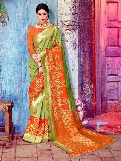 Green Colored Beautiful Waving Silk Saree