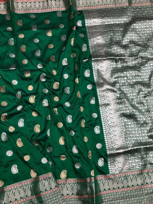 Green Colored Beautiful Zari Weaving Saree Online