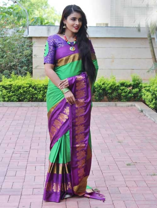 Green Colored Cotton Silk Saree with Extra Blose Piece - Rich Mayurica