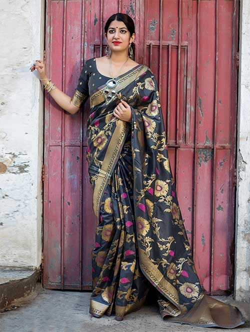 d37fc4a243cce Grey Colored Beautiful Banarasi Silk Saree With Matching Blouse