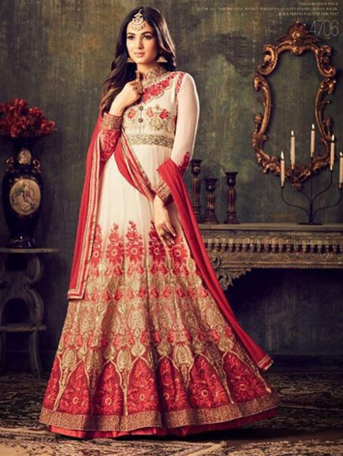 Off White Colored Beautiful Embroidered Heavy Georgette Salwar Suit