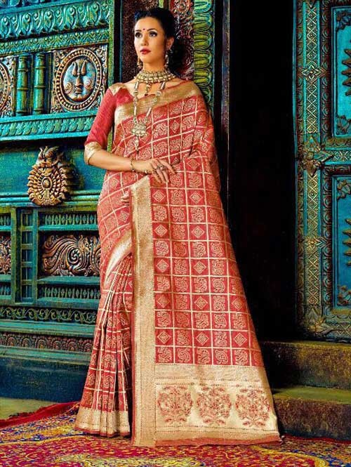 Red Color Beautiful Waving Silk Saree