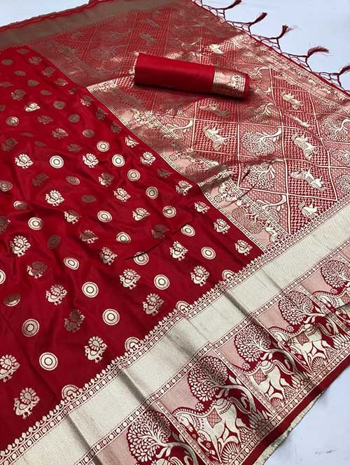 Red Colored Beautiful Soft Silk Traditional Saree With Kachi Border