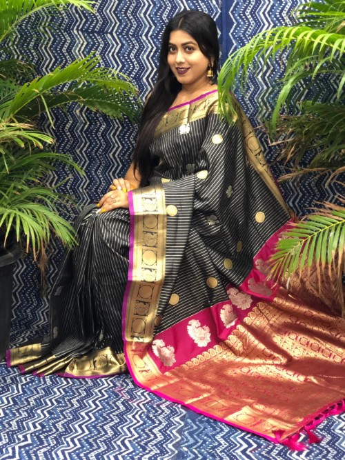 Traditional Kanchipuram silk saree in Black