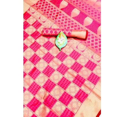 Banarasi Weaving Silk Handloom Patola Chex Saree in Pink Color - gnp006316