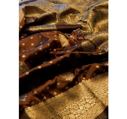 Brown Colored Banarasi Silk Saree with Gold Zari Weaving - gnp010142