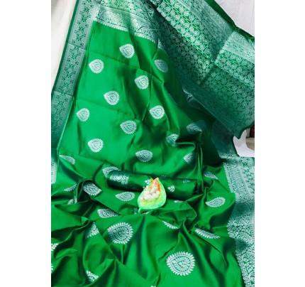Green Banarasi Silk Woven Saree with Silver Zari - gnp006175