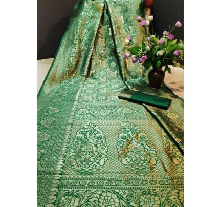Women's Green color Banarasi Saree with Blouse Piece