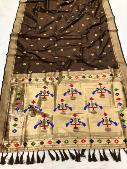 Appealing Brown Kanchipuram woven saree