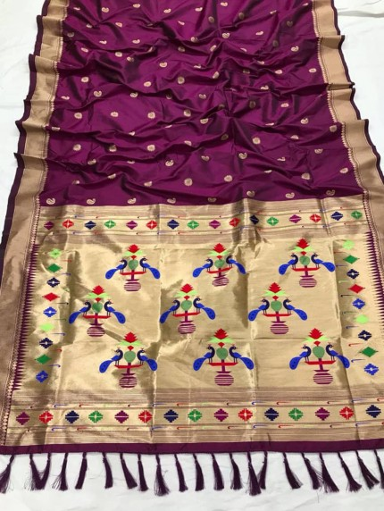 Appealing Purple Kanchipuram woven saree
