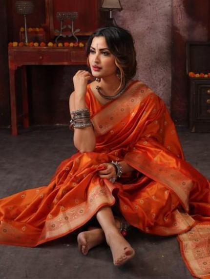 Attractive soft silk weaving saree in Orange