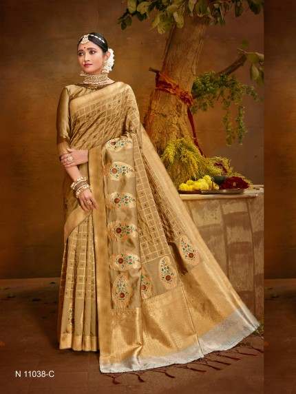 cream saree with contrast blouse