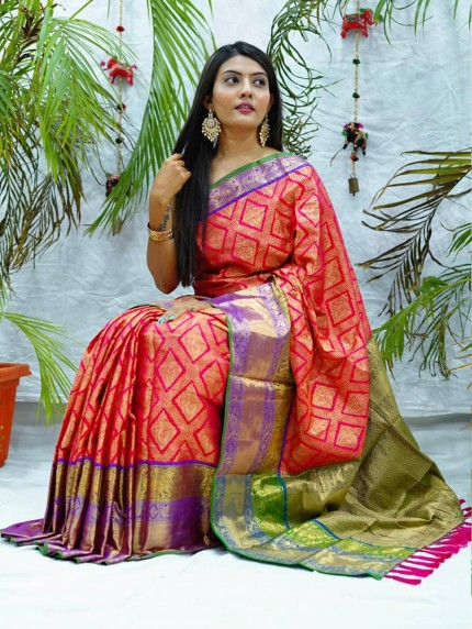 Traditional kanchipuram saree in pink colour