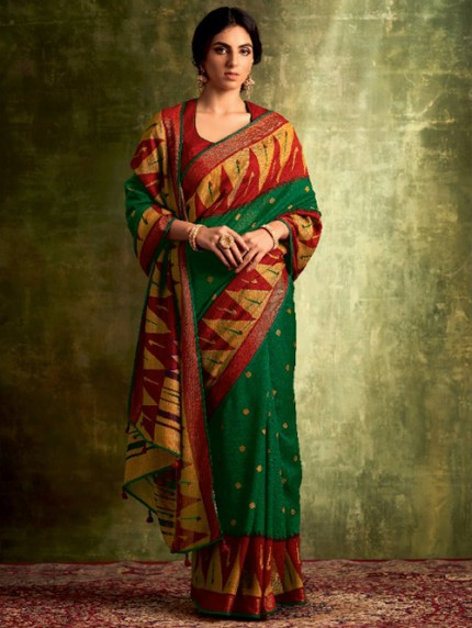 Grab and Pack trending sarees for farewell