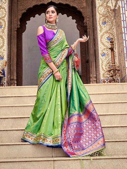 Green Soft Silk Weaving with Beautiful Designer Border & Pallu Saree - gnp0108750