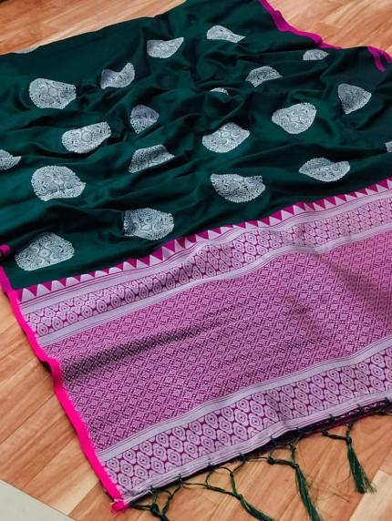 Women's prepossessing Lichi silk saree in Green