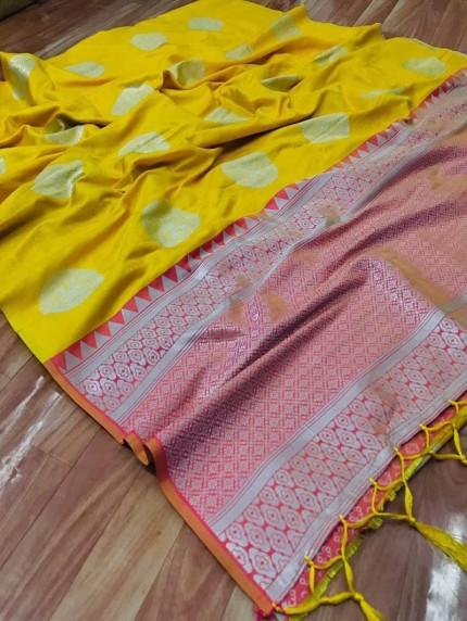 Women's prepossessing Lichi silk saree in Yellow
