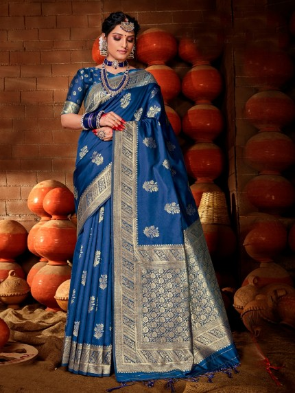 Blue saree GrabandPack