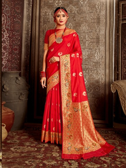 Grabandpack red saree engagement look