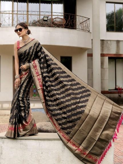 beautiful simple saree