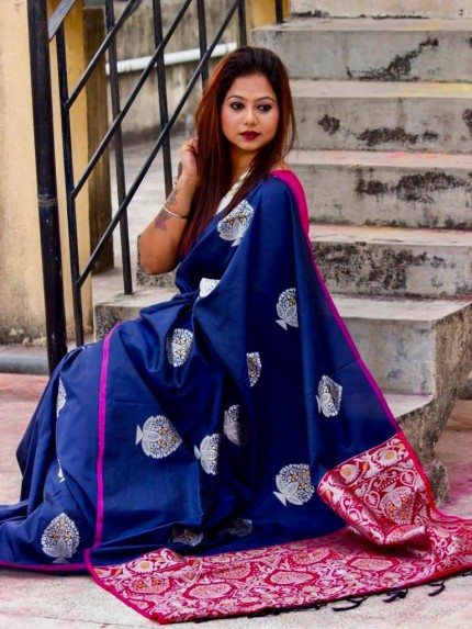 Beautiful Look Blue Color Lichi Silk weaving Jacquard Saree