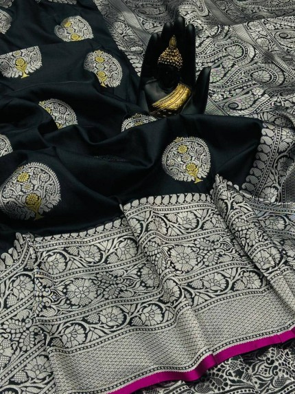 Black Banarasi Silk Weaving Jacquard Saree With Rich Pallu - gnp009530