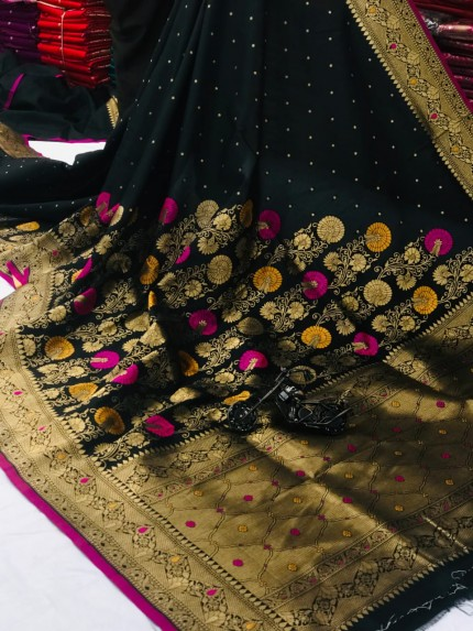 women's Attractive Soft Silk Saree in Black