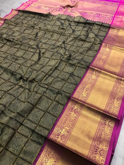black saree with golden border