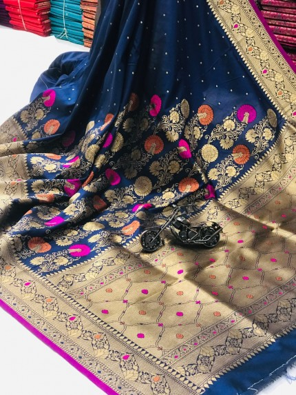 women's Attractive Soft Silk Saree in Blue