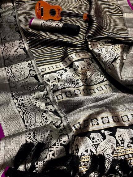 Classy Black Kanjivaram Lichi silk Rich look saree