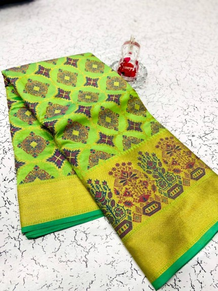 soft banarasi patola silk saree in Green
