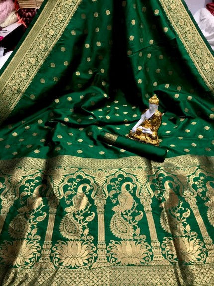 women's Banarasi silk Traditional saree in Green