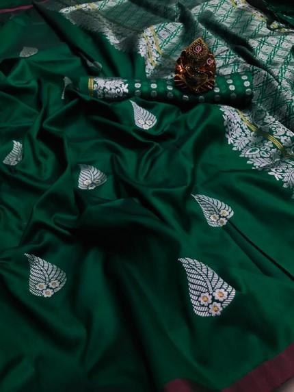 Green Colored Soft Lichi Silk Saree with Silver and Gold Zari - gnp009670