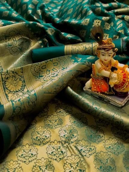 Green Pure Banarasi Soft Silk Saree with Zari Weaving - gnp010002