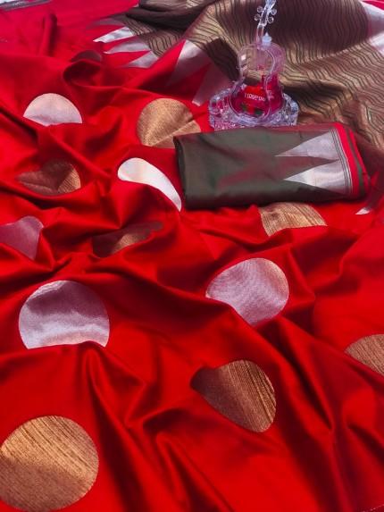 Red Banarasi Silk Golden And Silver Zari Weaving Saree - gnp008699