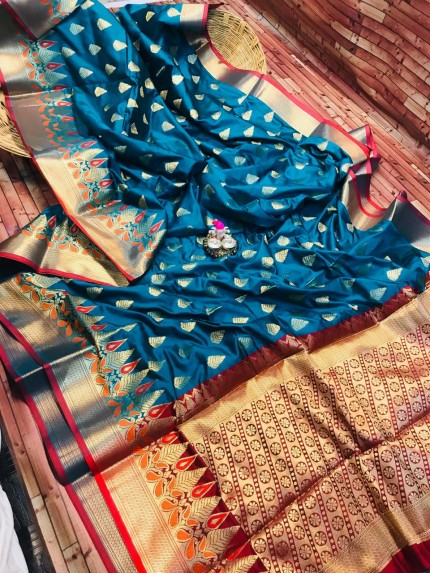 grabandpack Soft Kanchipuram silk woven saree in Blue