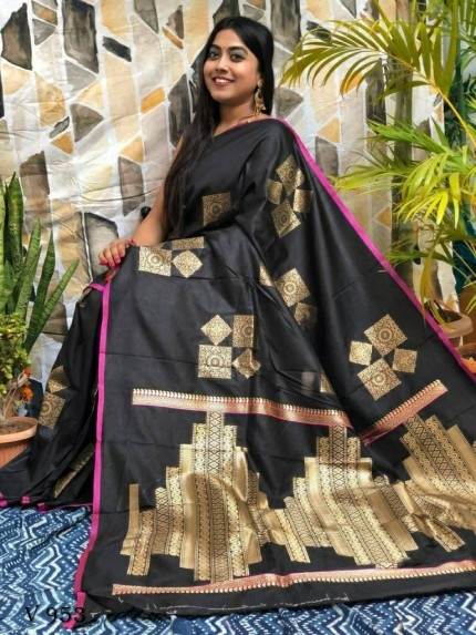 Soft silk Geometric Printed Saree in Black